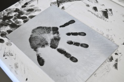Great hand print!